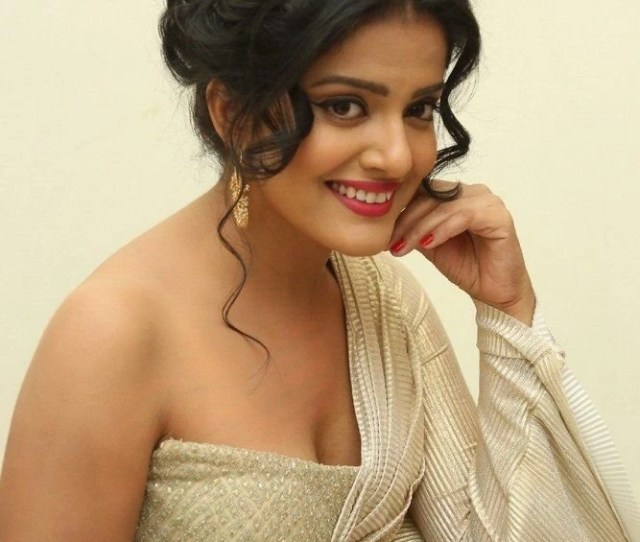 South Indian Actress Vishakha Singh Hot Wallpapers Gallery All Desktop Background