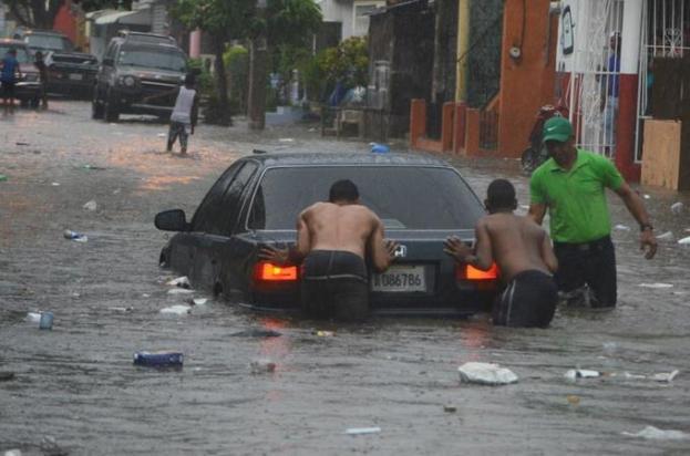 las-lluvias-inundan-vias-y-desbordan-rios-en-el-norte (1)