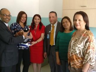 La doctora Mirna Font-Frías, directora junto a la comisión de salud que participó en el acto inaugural del Laboratorio de Anatomía Patológica del Programa Prevención de Cáncer de Cérvix