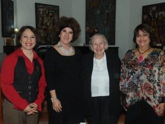Ylonka Nacidit Perdomo, Maria Castillo, Carmen Isabel Martinez Roques y Veronica Sencion.