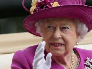 El salario de la reina procede del Patrimonio de la Corona y se paga con dos años de retraso.