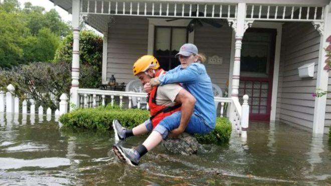 Tras afectar a decenas de miles de personas en Houston, otras ciudades de Texas y Luisiana se preparan para un segundo impacto de Harvey.