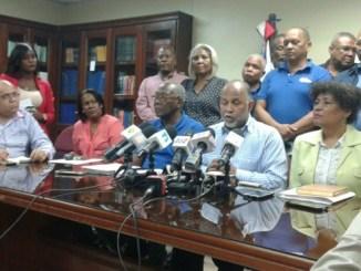 El presidente de la ADP, Eduardo Hidalgo, dijo que el 80% de los maestros bloqueados trabaja