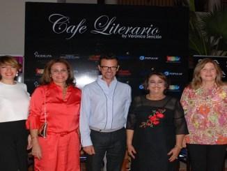 Fe María de Aja, Rosanna Rivera, Sócrates McKinney, Verónica Sención y Milka Morales.