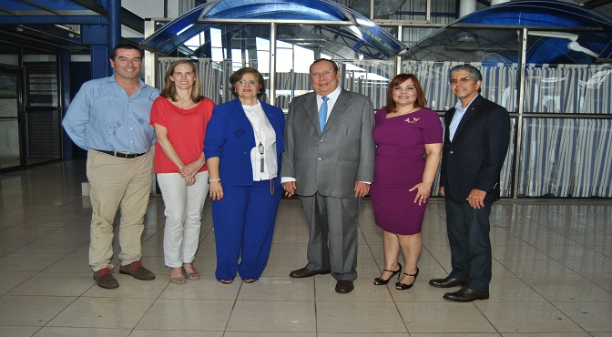Marcos Eguiguren, Carolina Benavides, Marisela Aybar, Osiris Grullón, Rommy Grullón y Guillermo Rondón