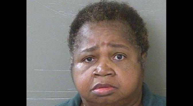 Mujer de 150 kilos mata a niña al sentarse sobre ella para castigarla