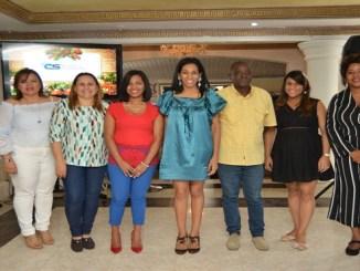 Shawell Peña, Sinthia Sánchez, Yosarah fernández, Dilenys Evagelista, Rosa Arredondo, Eusebio Marte, Lisbel Sánchez y Daniela Cruz.