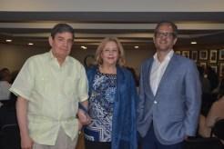 Chery Jimenez, Josefina de Jimenez y Paul Gautreaux.