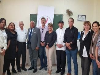 Directivos del CDP, Adompretur y Aseped junto a monseñor Ramón De La Rosa y Carpio