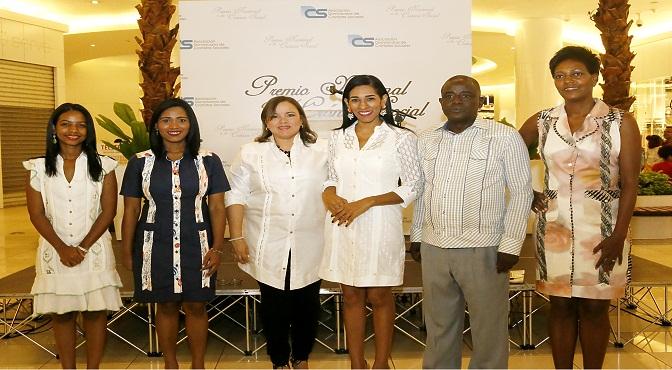 Shawell Peña, Dilenys Evangelista, Sinthia Sánchez, Rosa Arredondo, Eusebio Marte y Yubelkis Mejía.