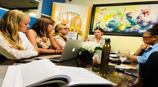 Estudiantes de la Universidad de Minnesota  realizan pasantía en zonas  beneficiadas por  BRA Dominicana.