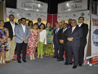 Directivos del Cluster de la Belleza junto a Milka Morales, David Collado, Nelson Toca, Lily de Toca y Fausto Fernandez.