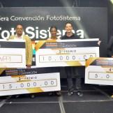 Gabriel Aspas y Gary Olivo junto a los ganadores de esta convencion.