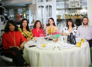 Fanny Santana, Sarah Hernández, Zoila Puello, Wanda Sánchez, Jacqueline Ramos y Pablo Brea.