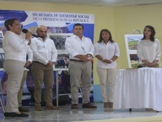 Sandra Fernández habla durante el acto inaugural de la Casa Intermedia del Modelo de Gestión Juvenil de Guatemala.