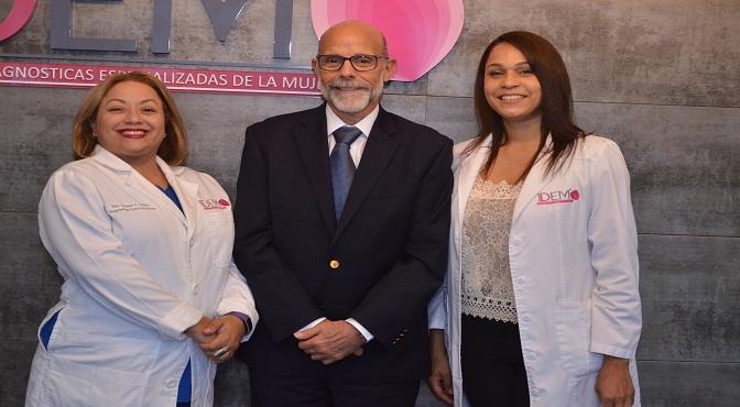 Crisanta Castillo, Casimiro Velazco y Erika Castro.