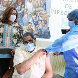 Dr. Fredis de Jesús Reyes, director del Gautier primero en ser vacunado