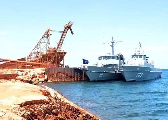 Embarcaciones militares de la armada
