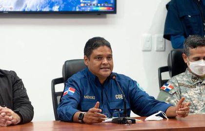 El director del COE, general Juan Manuel Méndez, mientras encabezaba la rueda de prensa en que se informaron las medidas.