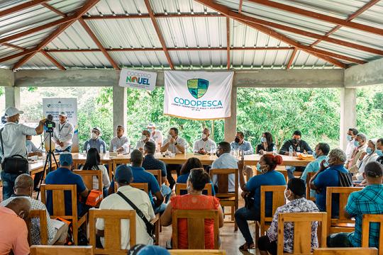 CODOPESCA entregó alevines, licencias, seguro médico y chalecos salvavidas a las Asociaciones de Pescadores