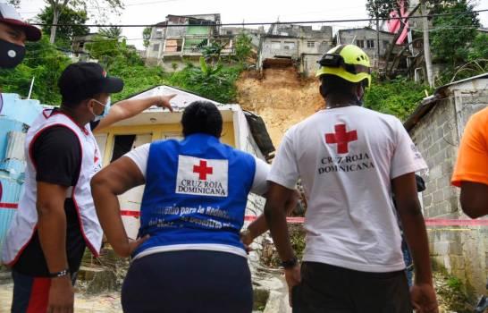 La Defensa Civil evacuó a 27 personas