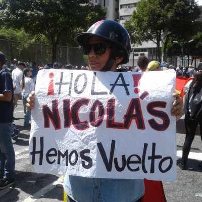 Ciudadana protestas en Caracas.