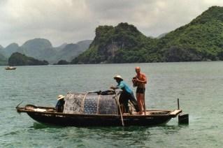 Dans la baie d'Halong au Vietnam