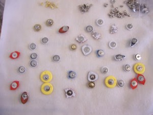 """All Clammed Up"" Button Post Earrings Tutorial"