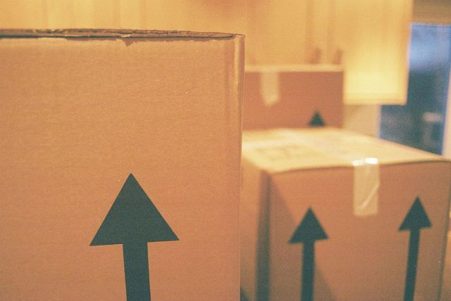 buried-under-boxes-the-best-ways-to-pack-when-youre-moving-house