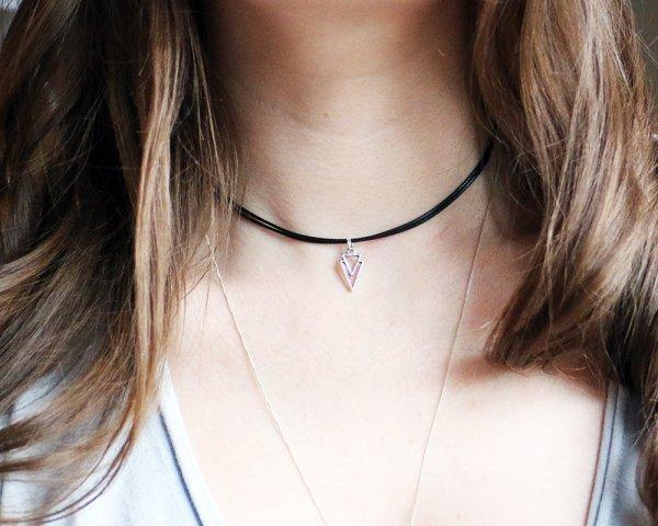 Triangle Necklace Black Choker