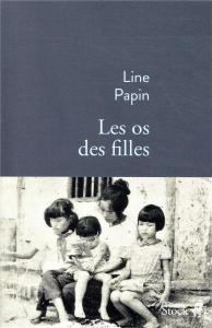 Les os des filles de Line Papin - Stock . 2019