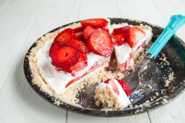Strawberry Yogurt Pie recipe