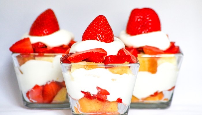 Strawberry Shortcake Parfait  #SundaySupper