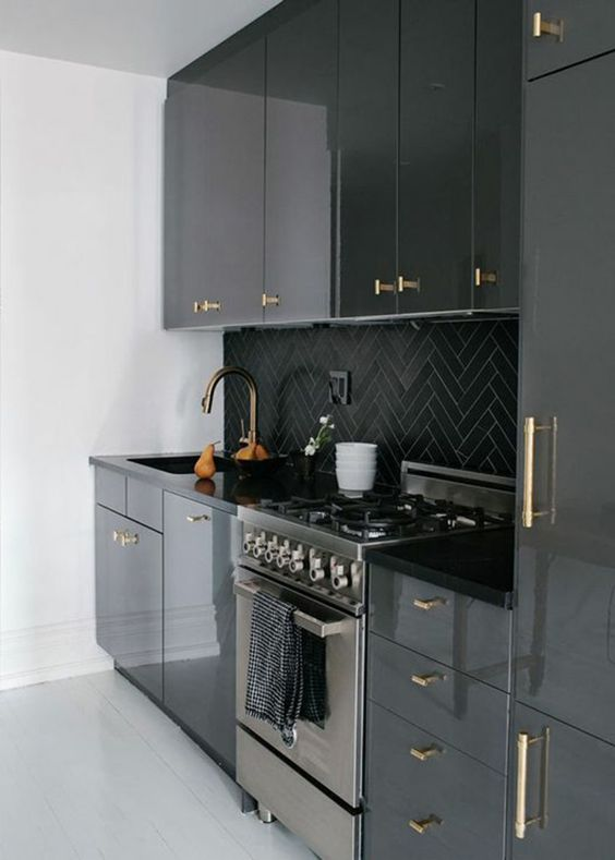 cuisine laquée brillante style classique