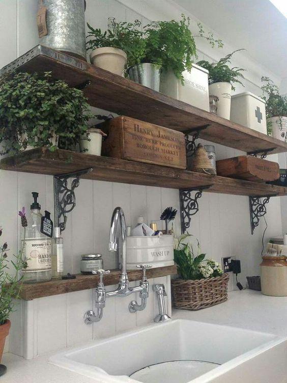 Rendez votre cuisine unique avec les étagères bois rétro shabby chic