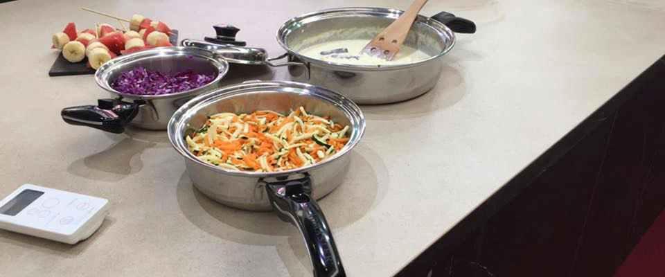 Cooking rak le plan de travail en céramique qui intègre la plaque à induction