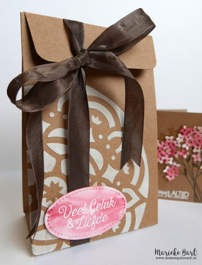 Gift Bag Punch Board decorated with Embossing Paste using Pattern Party Decorative Masks