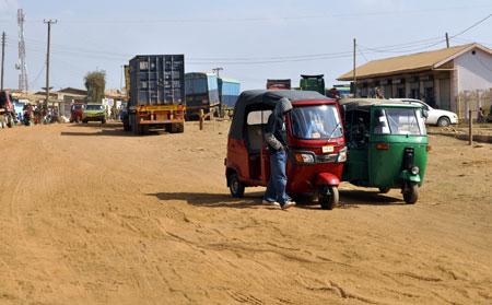 Sur la route de Dar es Salaam.