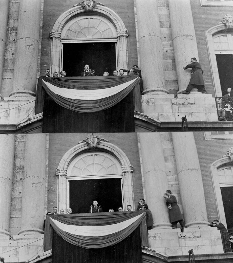 R 12347 Jean Dieuzaide sur la façade du Capitole pour photographier De Gaulle Toulouse Février 1959