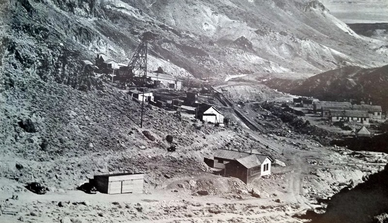 Nivloc mine and camp - Tonopah Times-Bonanza -  Nevada Ghost Towns and Mining Camps - Paher