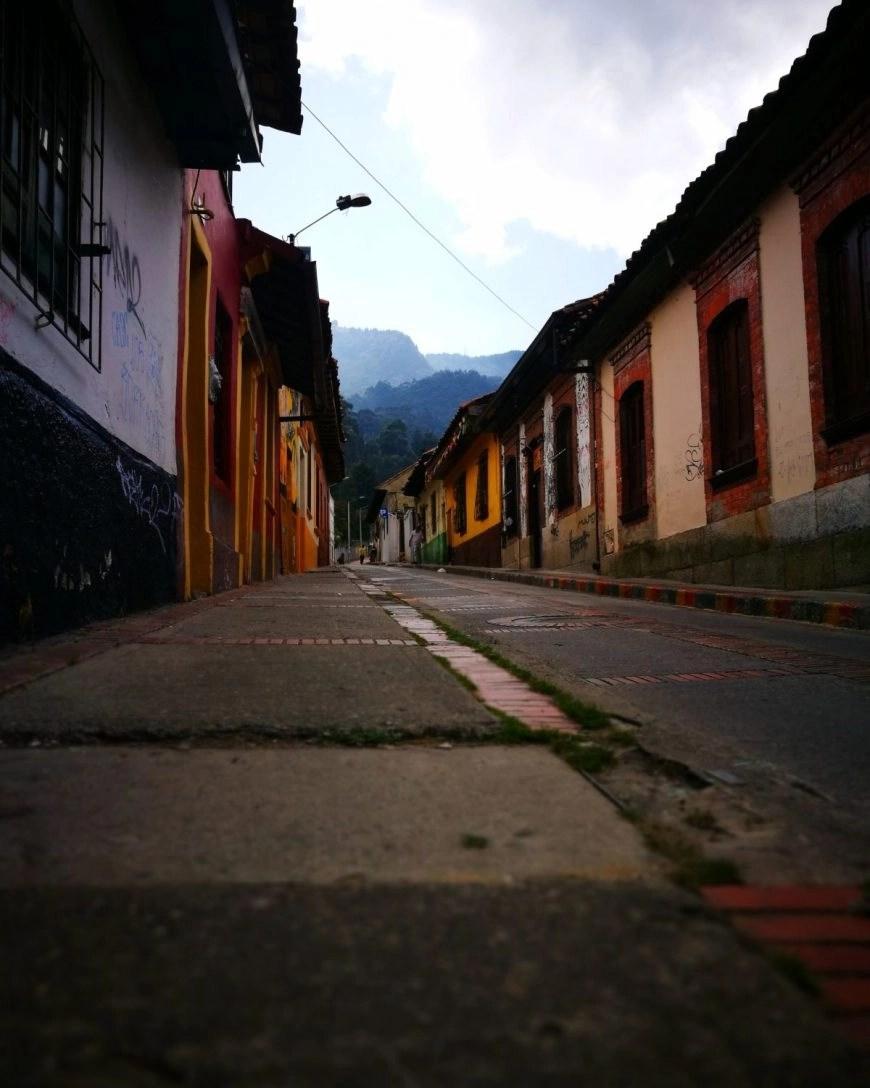 Destination Addict - The grimy but pretty colonial streets of La Calendaria, Bogota, Colombia