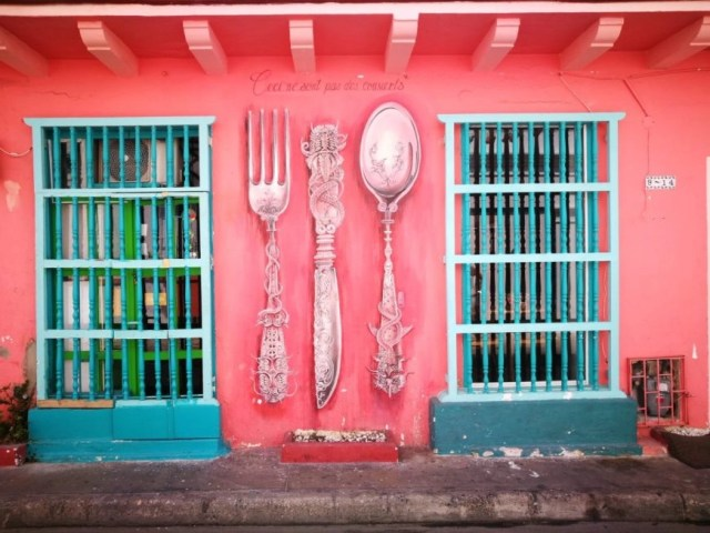 Destination Addict - Colour to be found everywhere in Cartagena, Colombia