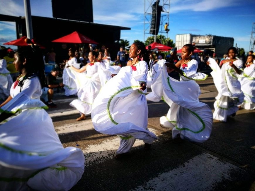 "Destination Addict - Street dancing for ""Fiesta De Independencia"" Cartagena, Colombia"