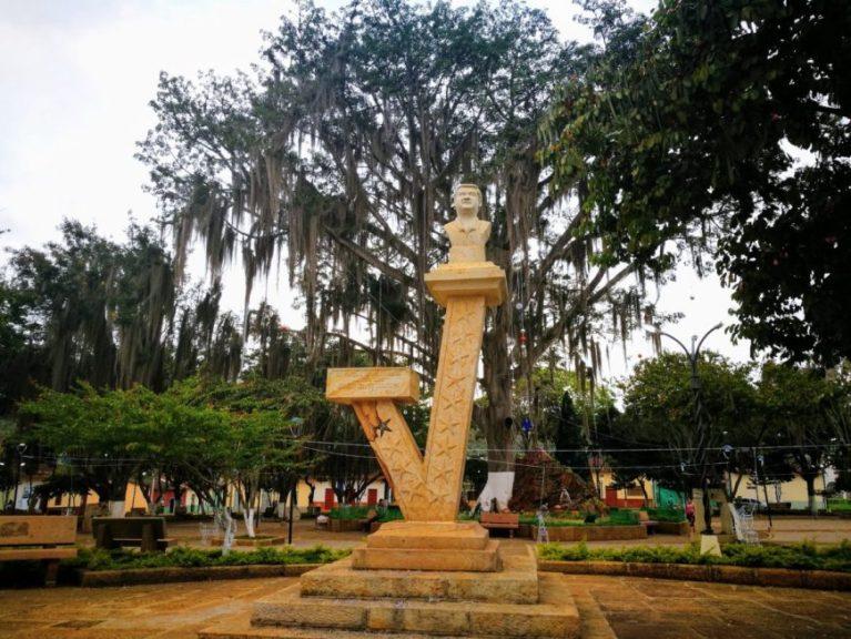 Sculpture in Parque Principal, Villanueva, Colombia
