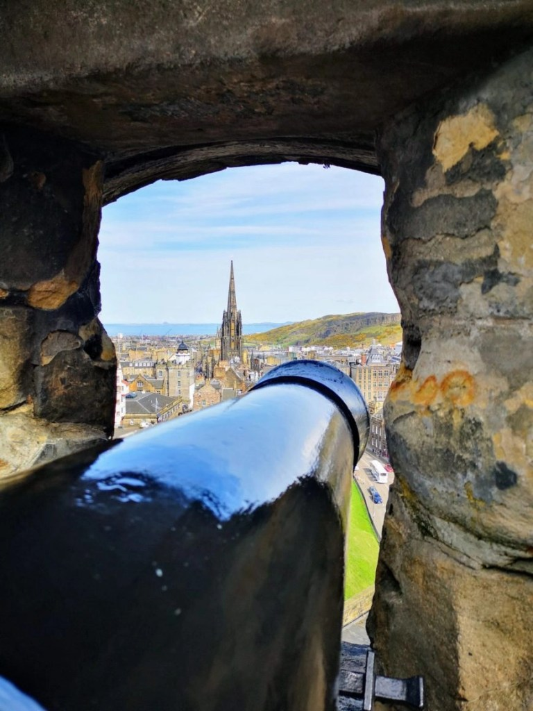 More stunning cannon views, Edinburgh Castle
