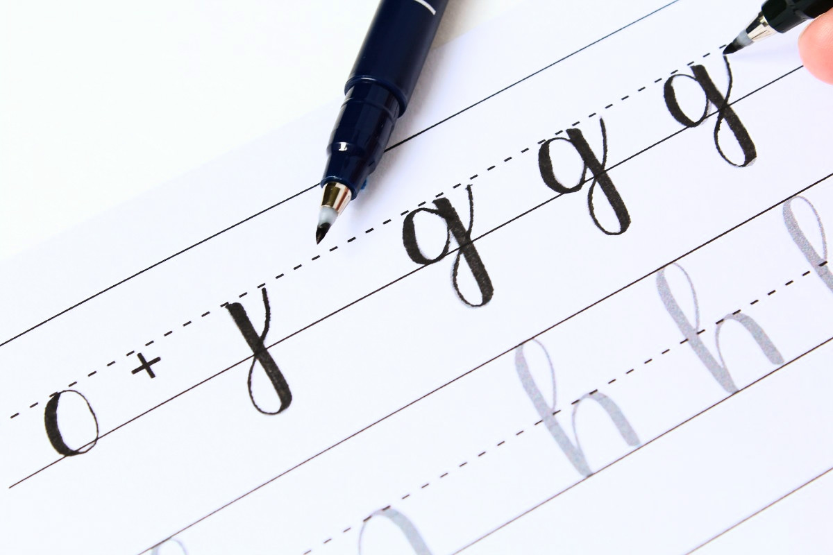 Letter formation for brush lettering and modern calligraphy Calligraphy basics