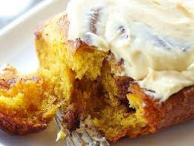 Pumpkin-cinnamon-rolls-with-orange-cream-cheese