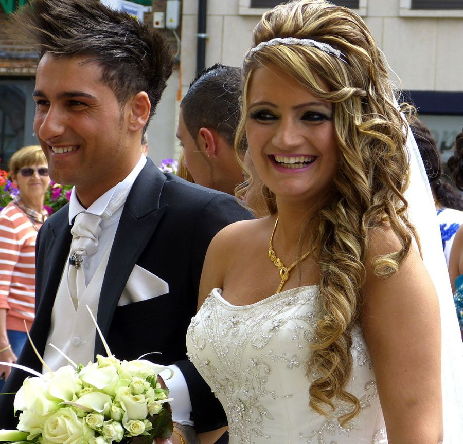 Flickr: Assyrian wedding, Mechelen. Eddy Van 3000, sursa Wikipedia. Foto simbol.