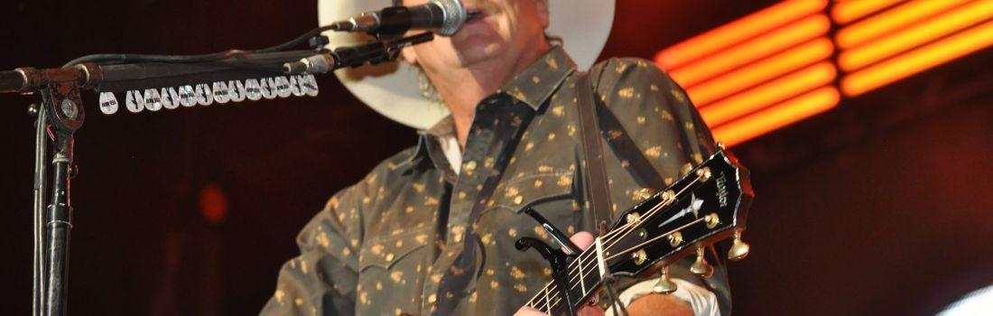 Alan Jackson – The One You're Waitin' On