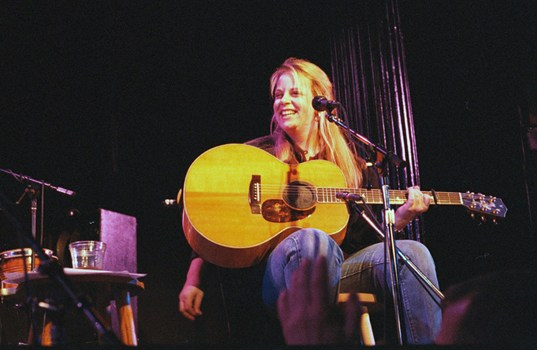 Mary Chapin Carpenter – Down At The Twist And Shout